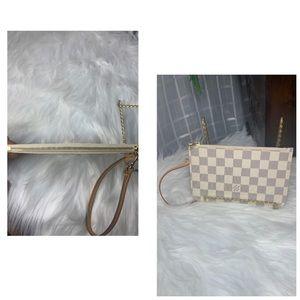 Louis Vuitton Bags - 🌼Authentic Louis Vuitton Neverfull Pouch Pm🌼